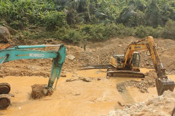 Lật tung hơn 30.000 khối đất đá vẫn không tìm thấy nạn nhân Thủy điện Rào Trăng 3 ảnh 2