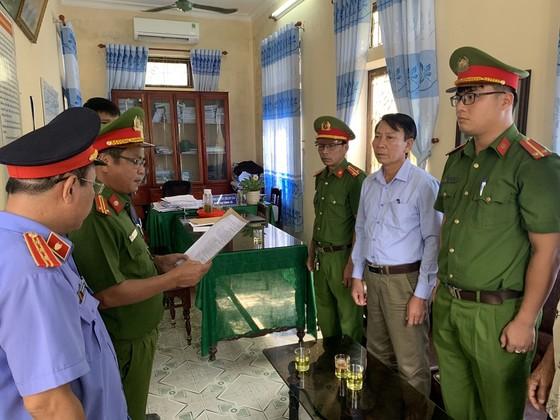 Tham ô gần 1 tỷ đồng, nguyên Chủ tịch UBND xã Quảng Vinh bị khởi tố ảnh 1