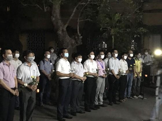 Chủ tịch nước truy tặng Huân chương Dũng cảm cho sinh viên cứu người Nguyễn Văn Nhã ảnh 2