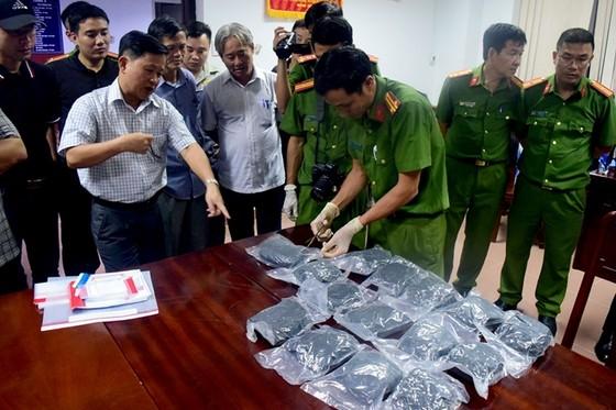 Đối tượng vận chuyển 9,7kg ma túy lãnh tù chung thân ảnh 2