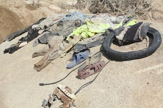 Tìm thấy nhiều vật dụng cá nhân của các nạn nhân tại Thủy điện Rào Trăng 3 ảnh 5