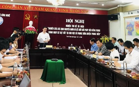 Các nhà khoa học tìm ra nguyên nhân 107 hố sụt lún bất thường tại Thừa Thiên – Huế ảnh 1