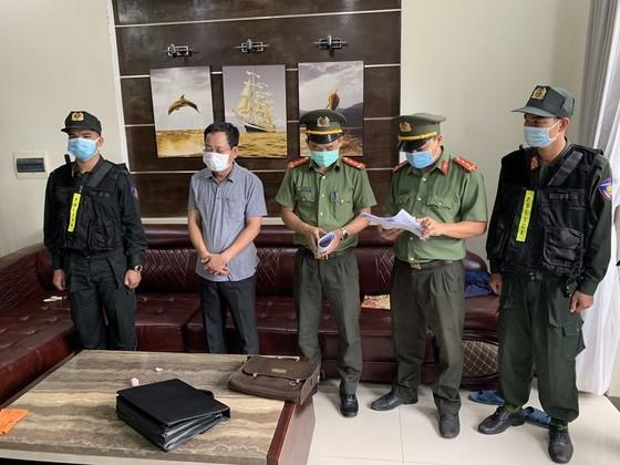 Bắt giam Chánh văn phòng Cảng hàng không quốc tế Phú Bài tham ô 5 tỷ đồng ảnh 1