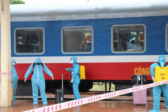 Chuyến tàu đặc biệt đưa 376 người dân từ TPHCM về Huế an toàn ảnh 4