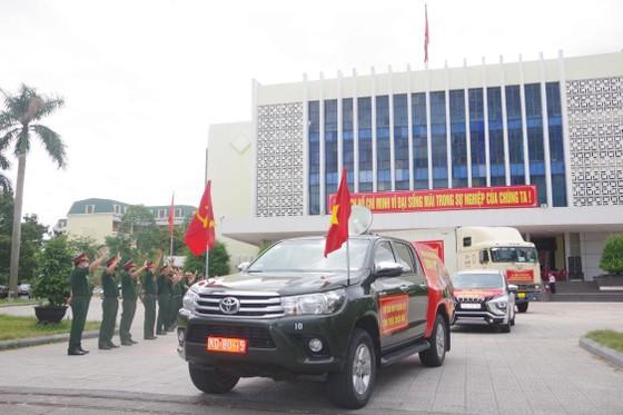 Thừa Thiên – Huế hỗ trợ TPHCM 24 tấn hàng hóa và nhu yếu phẩm  ảnh 1