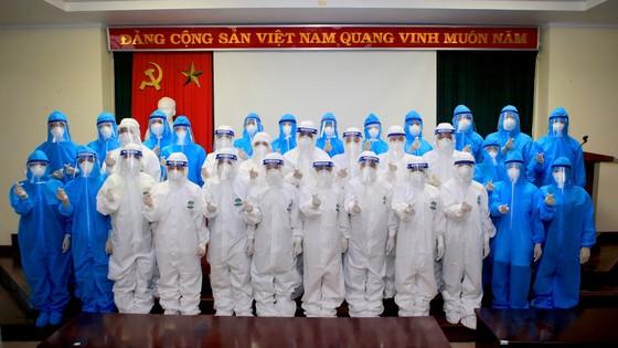 Nhiều địa phương miền Trung đưa đoàn y, bác sĩ tình nguyện tham gia hỗ trợ TPHCM chống dịch Covid-19 ảnh 1