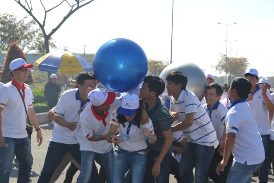 Gần 1.000 người tham gia hội thao truyền thống của Tổng Công ty Tín Nghĩa ảnh 1