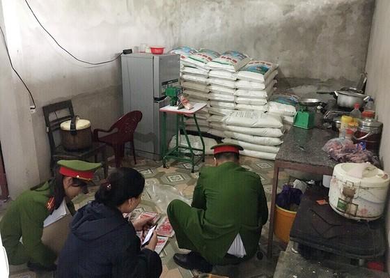 Phát hiện và bắt giữ 1,45 tấn bột ngọt giả ở Hà Tĩnh ảnh 2