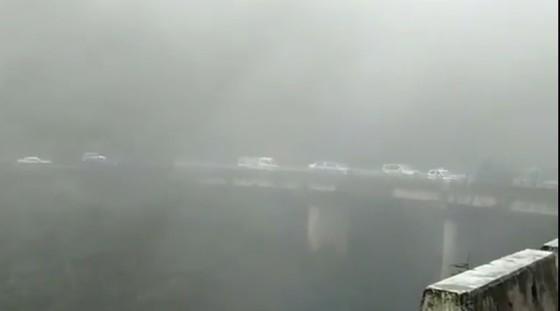 VIDEO: Sạt lở nghiêm trọng trên Quốc lộ 8A ở Hà Tĩnh ảnh 3