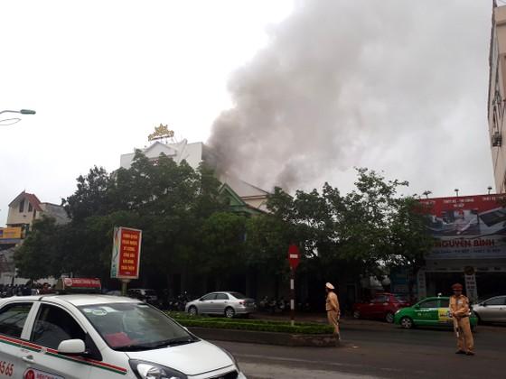 Cháy lớn tại Karaoke Kingdom Club ở Hà Tĩnh ảnh 9