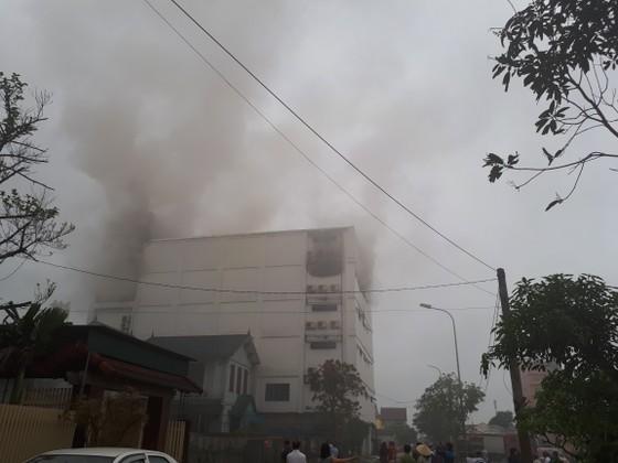 Cháy lớn tại Karaoke Kingdom Club ở Hà Tĩnh ảnh 8