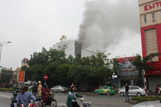 Cháy lớn tại Karaoke Kingdom Club ở Hà Tĩnh ảnh 1