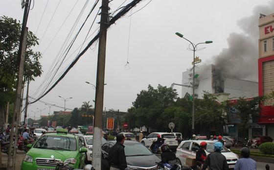 Cháy lớn tại Karaoke Kingdom Club ở Hà Tĩnh ảnh 2