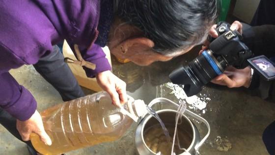Thành lập tổ công tác điều tra nguyên nhân giếng nhiễm dầu ở Hà Tĩnh ảnh 1
