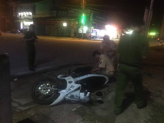 Điều tra vụ xe ô tô tải ben tông xe của Cảnh sát giao thông rồi bỏ chạy   ảnh 1