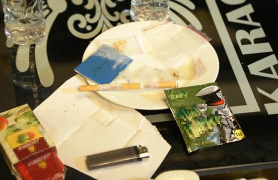 Bắt giữ hàng chục đối tượng đang có hành vi sử dụng ma túy trong quán karaoke ảnh 3