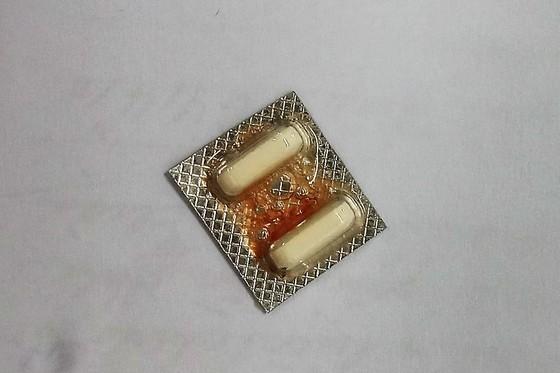 Nhập viện vì nuốt phải vỉ thuốc có cạnh sắc nhọn ảnh 2