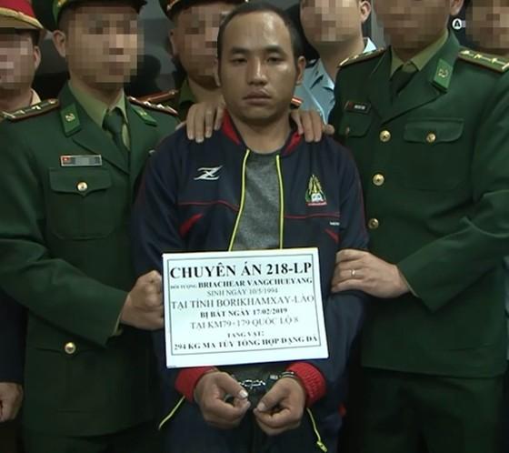 Bắt đối tượng vận chuyển ma túy ở Hà Tĩnh, thu giữ 294 kg ma túy đá ảnh 1