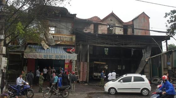 Cháy lớn xưởng làm lốp, nhiều tài sản cùng ô tô bị thiêu rụi ảnh 13