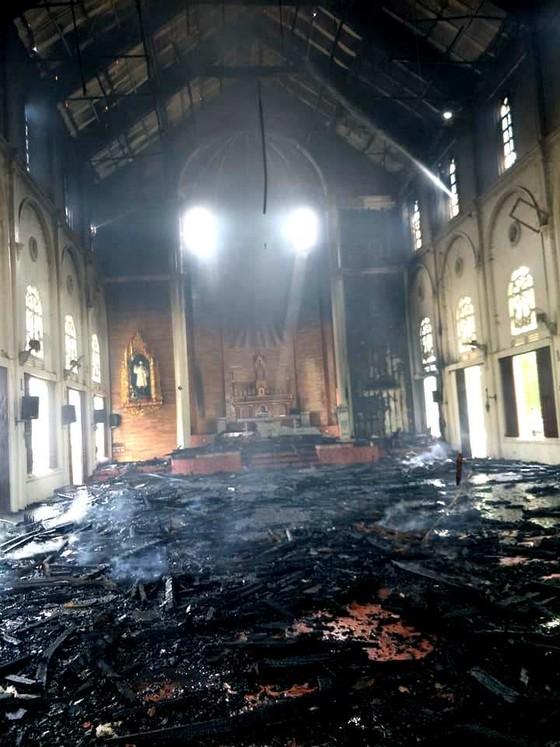 Cháy lớn tại nhà thờ Thọ Vực ở Hà Tĩnh ảnh 2
