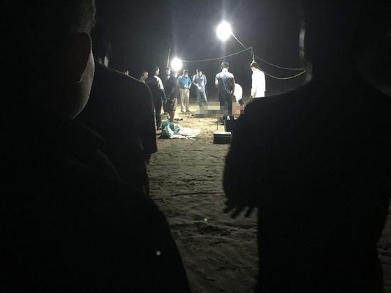 Thi thể 2 người phụ nữ trôi dạt vào bờ biển ở Hà Tĩnh ảnh 1