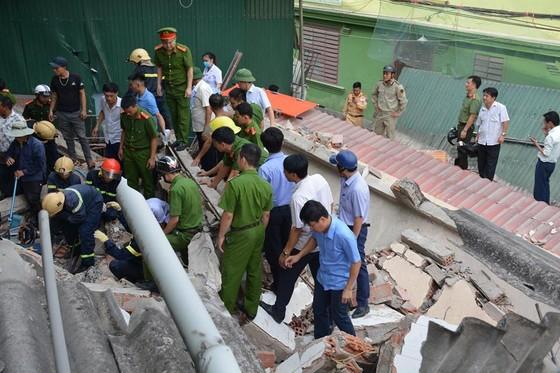 Ngôi nhà 2 tầng đang sửa bị đổ sập, 1 người bị thương nặng ảnh 3