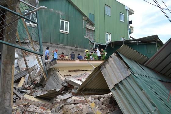Ngôi nhà 2 tầng đang sửa bị đổ sập, 1 người bị thương nặng ảnh 2