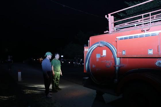 Khống chế đám cháy rừng trong đêm ở Hà Tĩnh ảnh 8