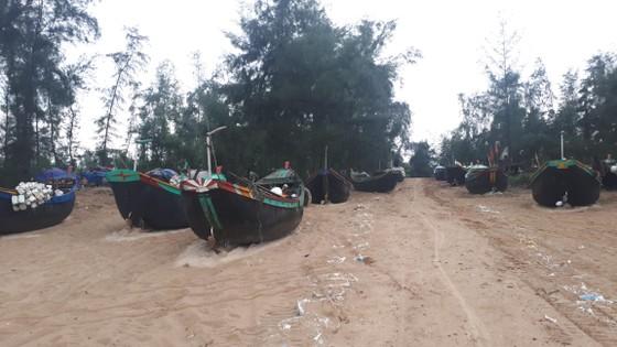 Các tỉnh miền Trung nỗ lực ứng phó bão số 4  ảnh 11