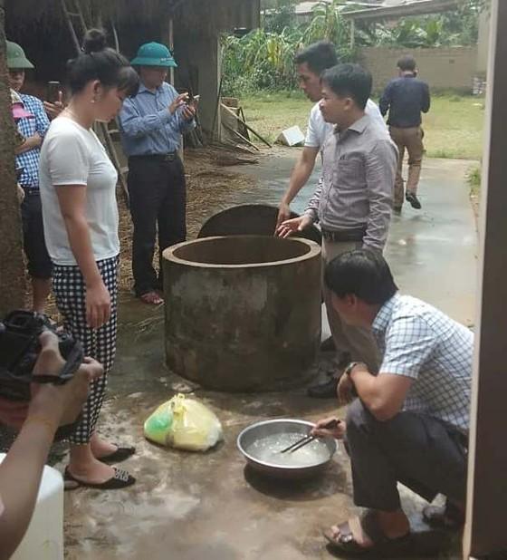 Bộ đội Biên phòng Hà Tĩnh nỗ lực giúp các trường học khắc phục mưa lũ, khai giảng năm học mới ảnh 14
