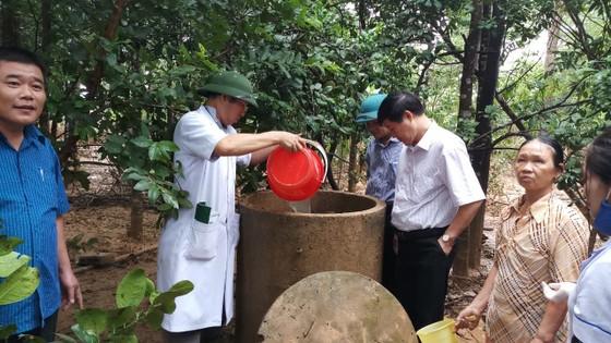 Bộ đội Biên phòng Hà Tĩnh nỗ lực giúp các trường học khắc phục mưa lũ, khai giảng năm học mới ảnh 10