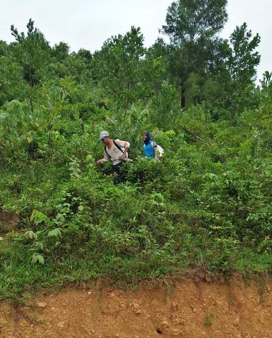 Bộ đội Biên phòng Hà Tĩnh nỗ lực giúp các trường học khắc phục mưa lũ, khai giảng năm học mới ảnh 7