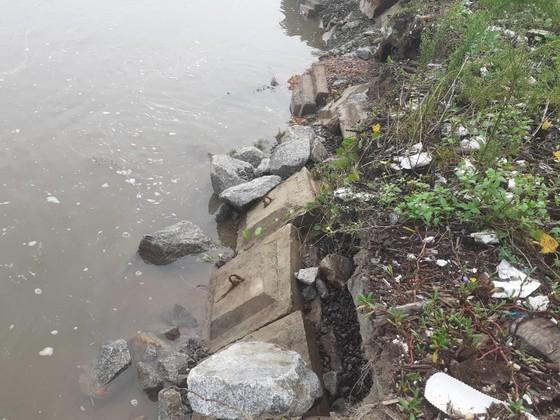 Đê chắn sóng ven biển ở Hà Tĩnh bị sạt lở sau mưa lũ ảnh 13