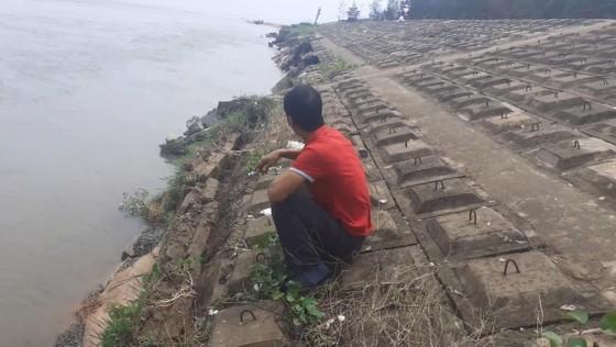Đê chắn sóng ven biển ở Hà Tĩnh bị sạt lở sau mưa lũ ảnh 4
