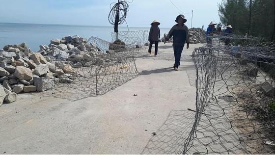 Khắc phục sự cố sạt lở đê biển xung yếu ở Hà Tĩnh ảnh 5