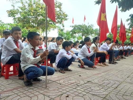 Nhiều trường học ảnh hưởng mưa lũ ở Quảng Trị, Hà Tĩnh khai giảng năm học mới ảnh 4