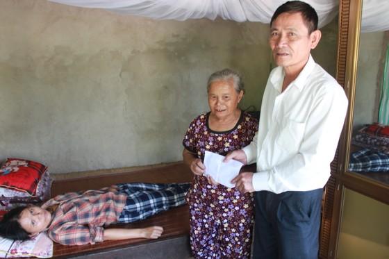 Báo Sài Gòn Giải Phóng trao 41,8 triệu đồng cho gia đình khó khăn ở Hà Tĩnh ảnh 1