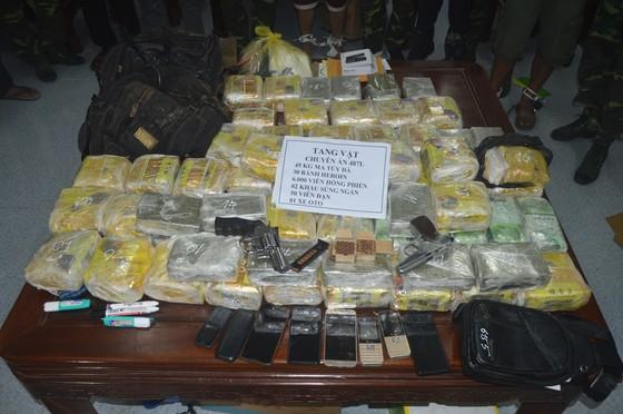 Triệt phá đường dây ma túy xuyên quốc gia, thu giữ số lượng lớn ma túy và vũ khí ảnh 3