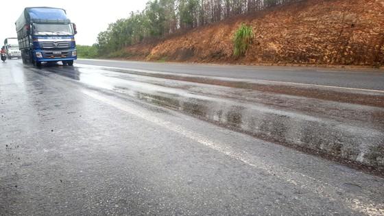 Nguy cơ mất an toàn giao thông trên Quốc lộ 1A tuyến tránh Hà Tĩnh ảnh 1
