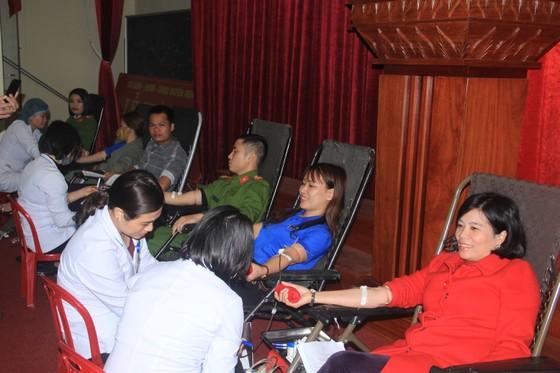 275 đơn vị máu giúp đỡ bệnh nhân ảnh 2