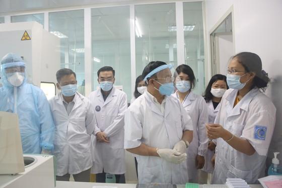 Hà Tĩnh ra mắt phòng xét nghiệm chẩn đoán Covid-19 ảnh 4