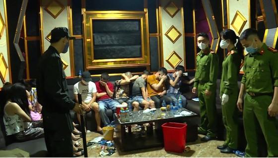Khởi tố 1 bị can trong vụ 76 người 'bay lắc' ma túy tại quán karaoke  ảnh 1