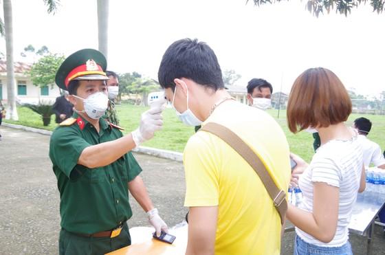 Bàn giao hơn 600 công dân đã hoàn thành thời gian cách ly tập trung ảnh 2
