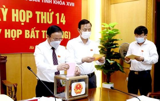 Ông Nguyễn Hồng Lĩnh được bầu giữ chức Phó Chủ tịch UBND tỉnh Hà Tĩnh ảnh 2