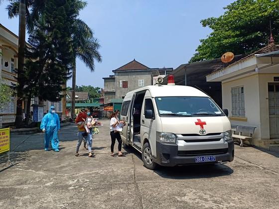 Thêm 2 bệnh nhân mắc Covid-19 điều trị tại Hà Tĩnh được ra viện ảnh 3