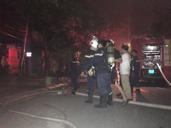 Cháy lớn tại tiệm bánh ở Hà Tĩnh lúc rạng sáng  ảnh 3