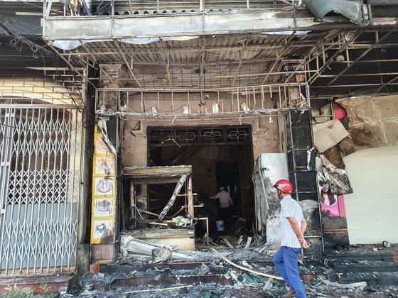 Cháy lớn tại tiệm bánh ở Hà Tĩnh lúc rạng sáng  ảnh 7