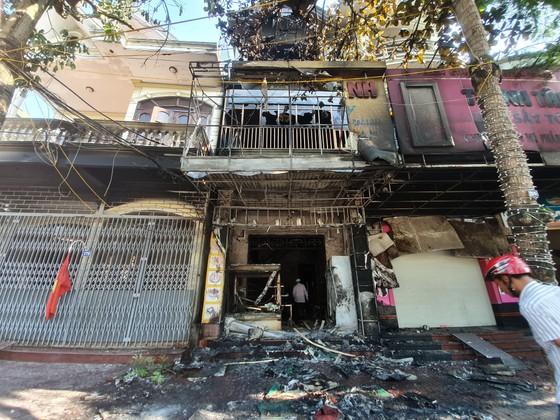 Cháy lớn tại tiệm bánh ở Hà Tĩnh lúc rạng sáng  ảnh 8