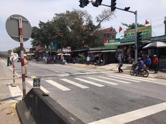 Tai nạn giữa xe khách và xe container, 2 người thương vong ảnh 14