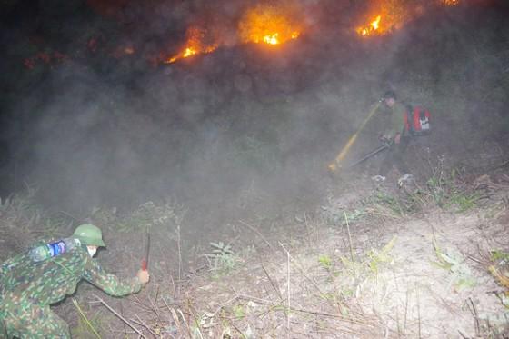 Cơ bản khống chế được đám cháy rừng ở Hà Tĩnh ảnh 1